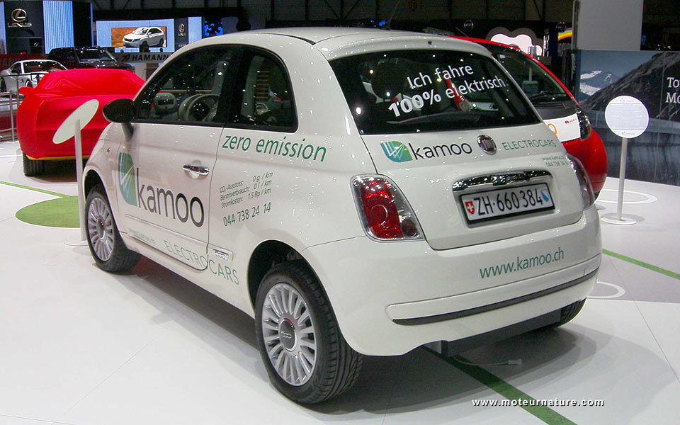 an electric fiat 500 made in switzerland by kamoo. Black Bedroom Furniture Sets. Home Design Ideas