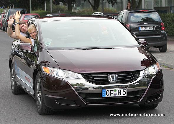 Honda FCX Clarity in Frankfurt at the European Youth Parliament
