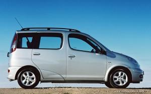 Toyota-Yaris-Verso-1999