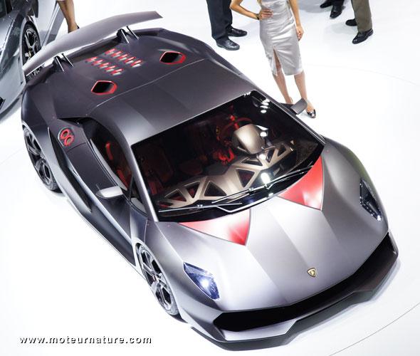 Unexpected Lamborghini Downsizes With The Sesto Elemento