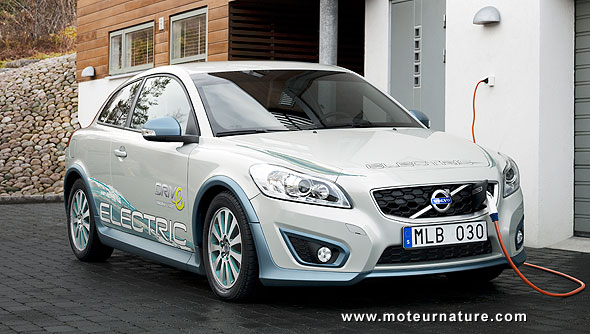 Volvo C30 electric with fuel cell and reformer