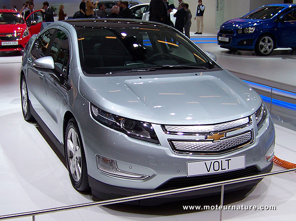 Chevrolet volt is car of the year for motor trend for Motor trend drivers car of the year