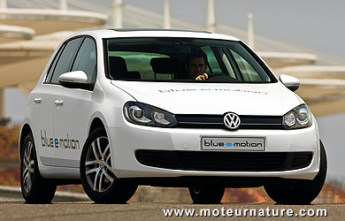Volkswagen-Golf-Blue-e-Motion