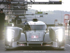 Audi R18 TDI race car