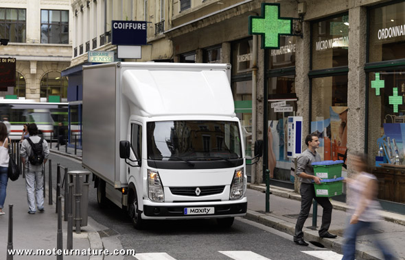 Renault Maxity electric truck