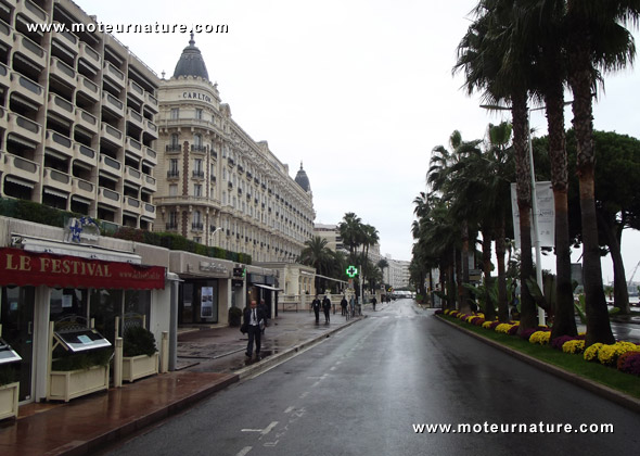 Empty streets in Cannes because of the G20 summit