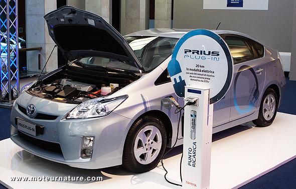 Toyota Prius plug-in in H2Roma