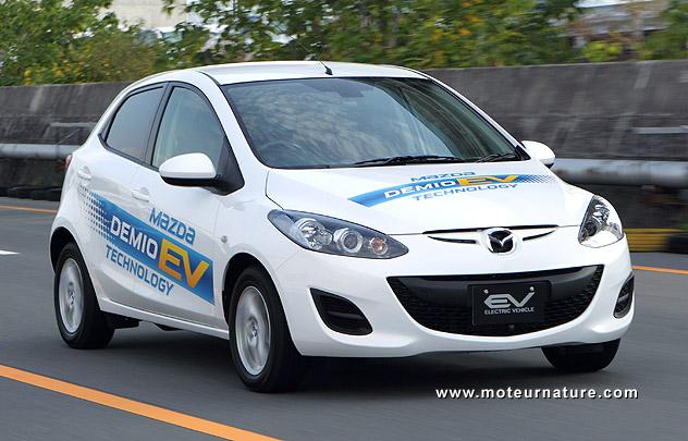 Mazda-2-electric
