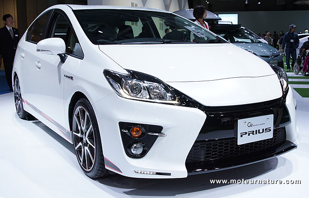 Toyota-Prius-Gazoo-Racing