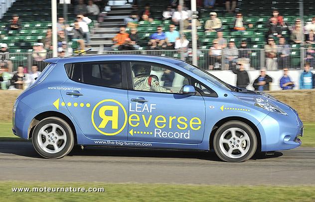 Nissan-Leaf-reverse