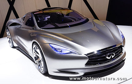 Infiniti Emerg-E plug-in hybrid concept-car