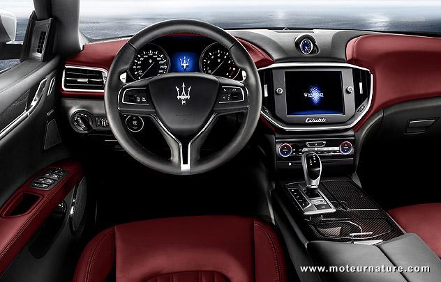 Maserati-Ghibli diesel luxury sports sedan interior