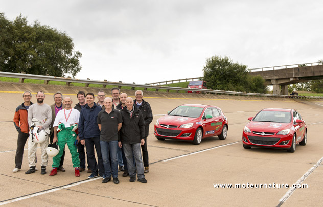Opel Astra diesel record endurance drive