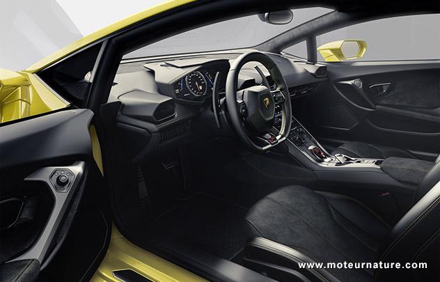 Lamborghini-Huracan interior
