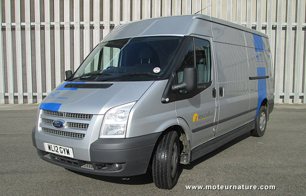 Revolve H2ICED, a diesel/hydrogen Ford Transit