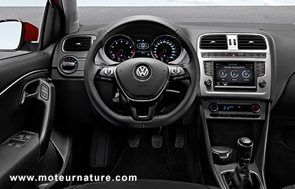 Volkswagen-Polo-interior