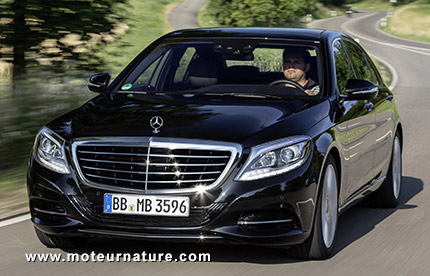 s500 the plug in hybrid mercedes s class is. Black Bedroom Furniture Sets. Home Design Ideas